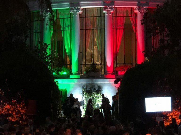 S.E. Dr. Darío Item espera la recepción de la Fiesta de la República Italiana en Madrid