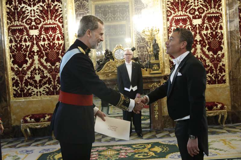 El Rey de España recibe a S.E. Dr. Darío Item, Embajador de Antigua y Barbuda